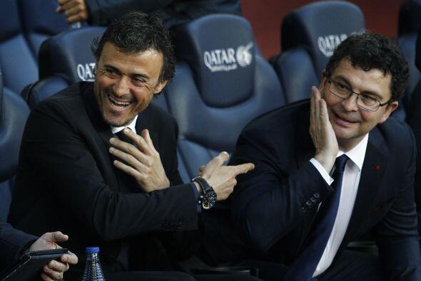 Luis Enrique se vio contento en la banca disfrutando del buen juego de s...