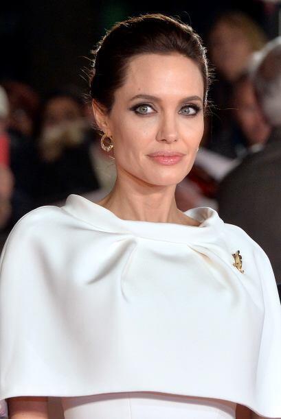 Hace un par de semanas Jolie visitó un campo de refugiados en Irak, en d...
