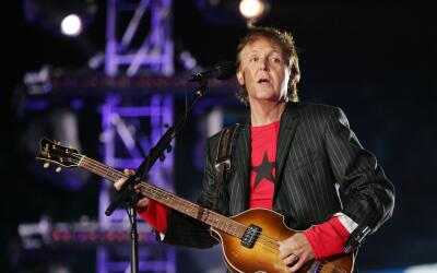 JACKSONVILLE, FL - FEBRUARY 06: Musician Paul McCartney performs on stag...