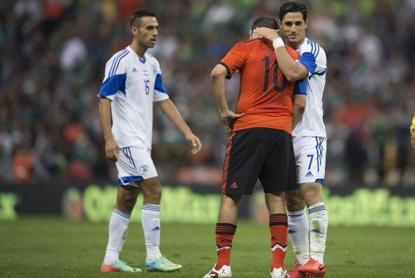 Hasta los futbolistas de Israel se rindieron ante el 'Temo' y su clase.