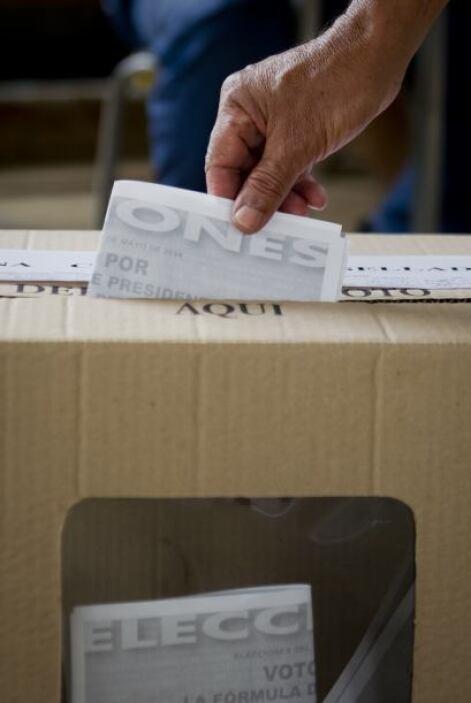 Te invitamos a este repaso, foto a foto, por el proceso electoral de Col...