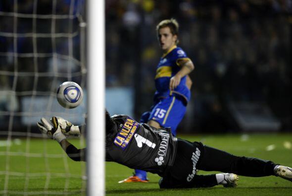 Ya en lo futbolístico, Boca se puso en ventaja apenas arrancó la segunda...