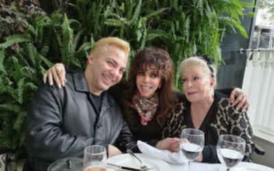 Cristian Castro junto a las mujeres que mejor lo conocen, su madre Ver&o...