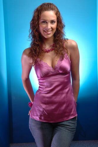 """Como """"Candy Morales"""", una mujer muy enamorada de """"Patricio"""" (Valentino L..."""