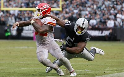 Por tierra, la táctica de los Chiefs para acabar con los Raiders