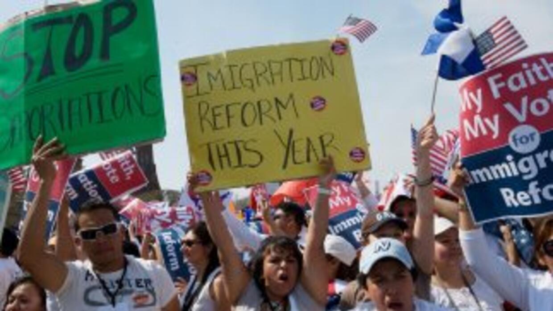 Los 11.2 millones de indocumentados que viven en Estados Unidos siguen e...