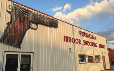 Una tienda de armas en Pensacola, en el noroeste de Florida.