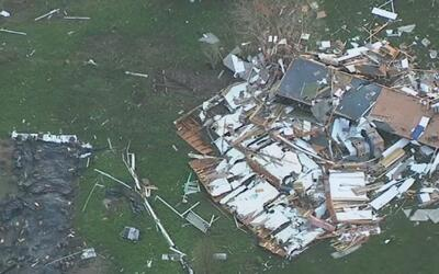 Tormentas dejaron múltiples daños en Sealy, Texas