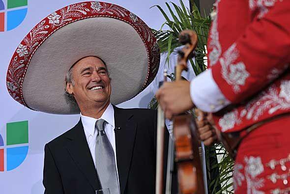 Ray Rodríguez estuvo acompañado por el tradicional mariachi, que le inte...