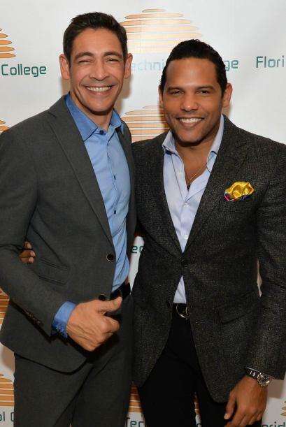 Johnny Lozada asistió a un evento para apoyar la educación en la apertur...