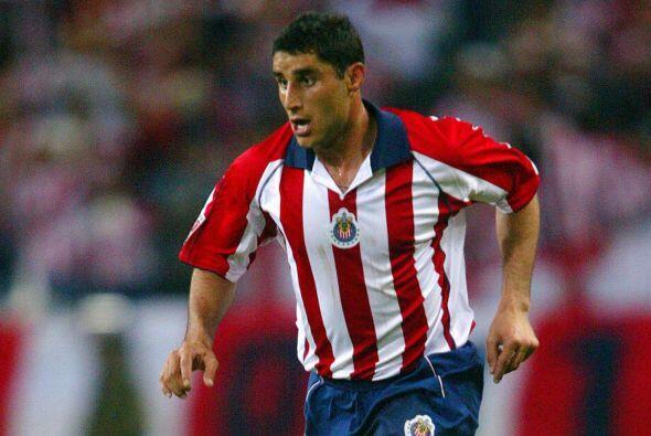 Salvador Carmona, el defensor mexicano debutó con Toluca con quie...