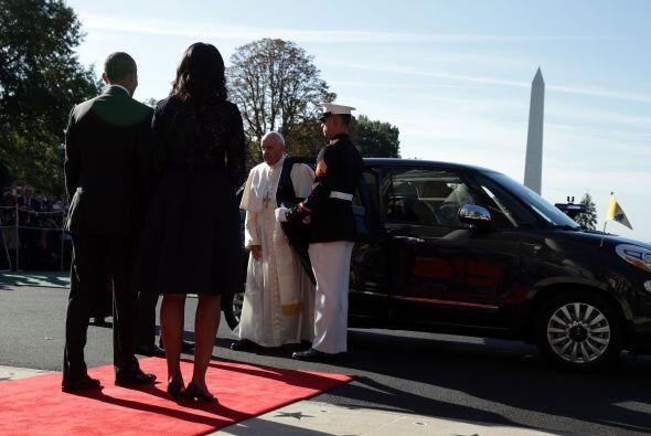 Así esperaron los Obama la llegada del pontífice para su ceremonia de bi...