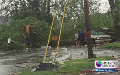Comienza la reconstrucción en Indiana luego de los tornados