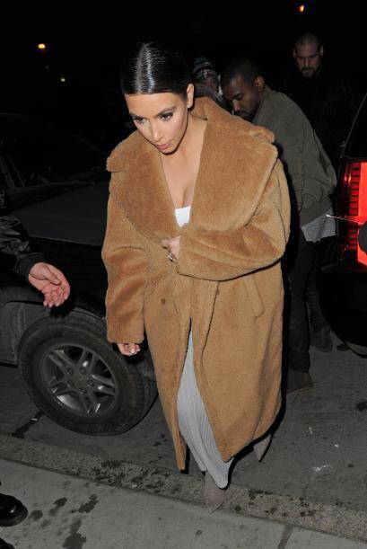Ya hemos visto en varias ocasiones a Kim Kardashian con este inmenso abr...