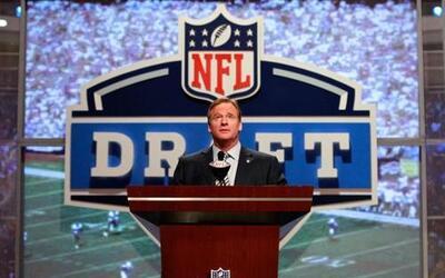 Un récord de 26 jugadores fueron invitados por la NFL al Draft 2012 que...