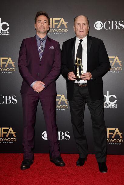 Robert Downey Jr con un traje morado llamó la atención. El actor luce ba...