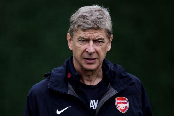 Arsène Wenger no la pasa muy bien en el Arsenal ya que los 'gunners' man...