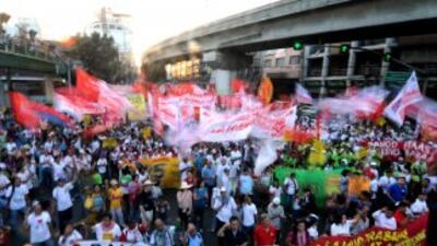 En Manila, Filipinas, los manifestantes protestaron contra el gobierno.