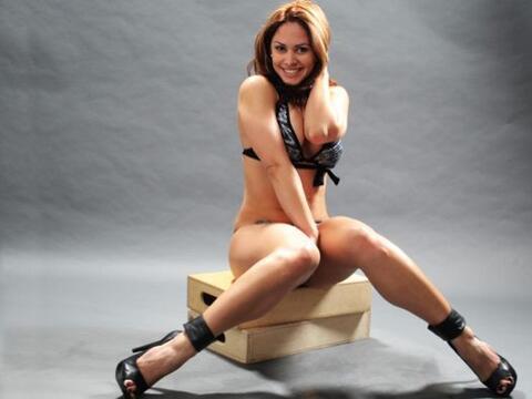 Aniuska dice que su bikini favorito es el que la haga lucir muy sexi.
