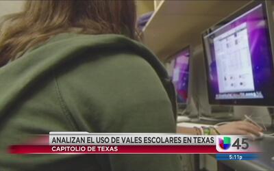 Propuesta busca que las familias en Texas puedan elegir a qué escuela as...