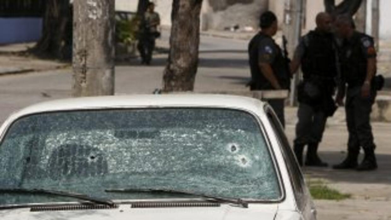 Carvalho fue atacado por dos hombres armados que se movilizaban en una m...