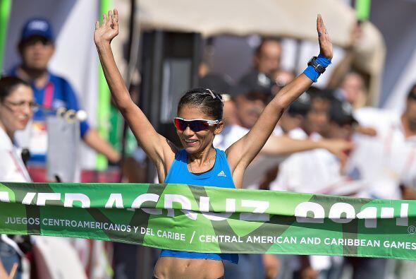 La guatemalteca Mirna Ortiz rompió la marca en 20 kilómetr...