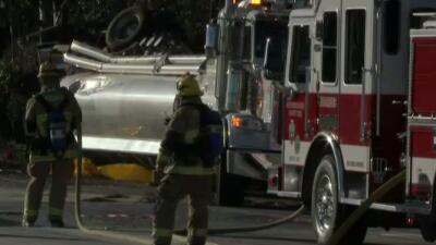 Accidente de camión obliga a cerrar autopista 10