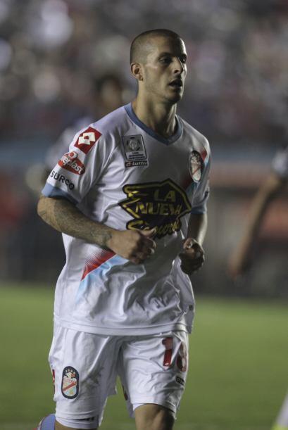 Darío Benedetto, delantero argentino de 23 años llega a Tijuana. En su c...