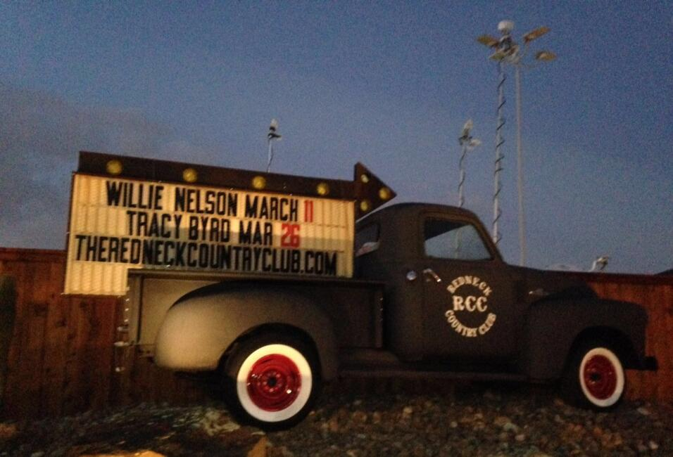 Redneck Country Club, punto de encuentro de Cruz y Seguidores