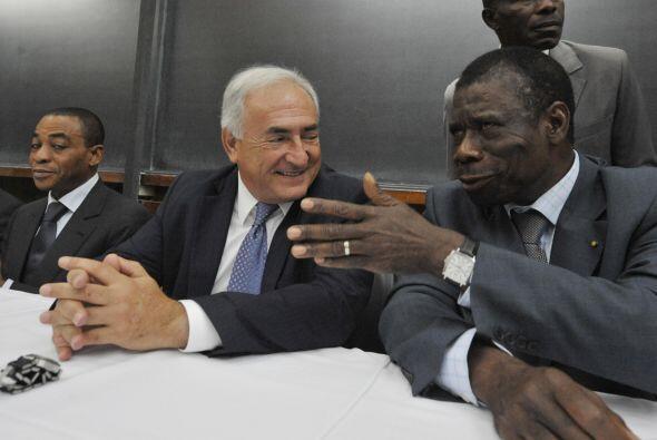 Desde septiembre de 2007 dirige el Fondo Monetario Internacional, una es...