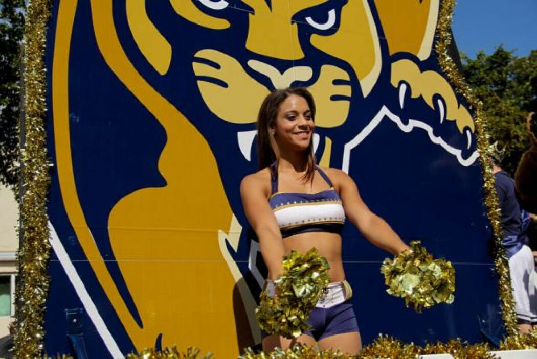 Las Cheerleaders de FIU!