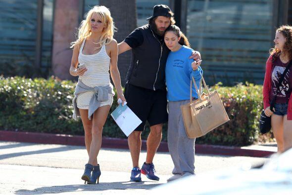 Y los acompañó la hijita de Rick, quien se nota que está muy apapachada.