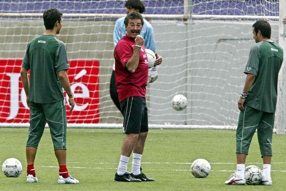 El Hexagonal para Alemania 2006 fue en el que Ricardo La Volpe cumplió l...