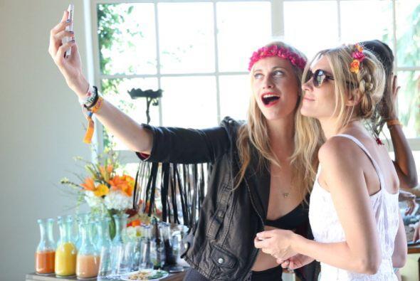 La modelo Poppy Delevingne y Jackie Swerz  se sintieron tan orgullosas d...