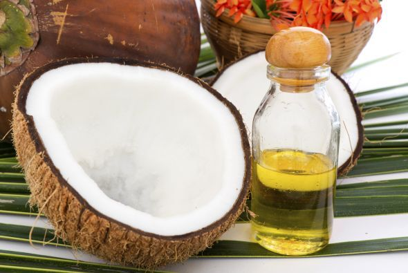 Aceite de coco El aceite de coco es una de las fuentes más ricas en gras...