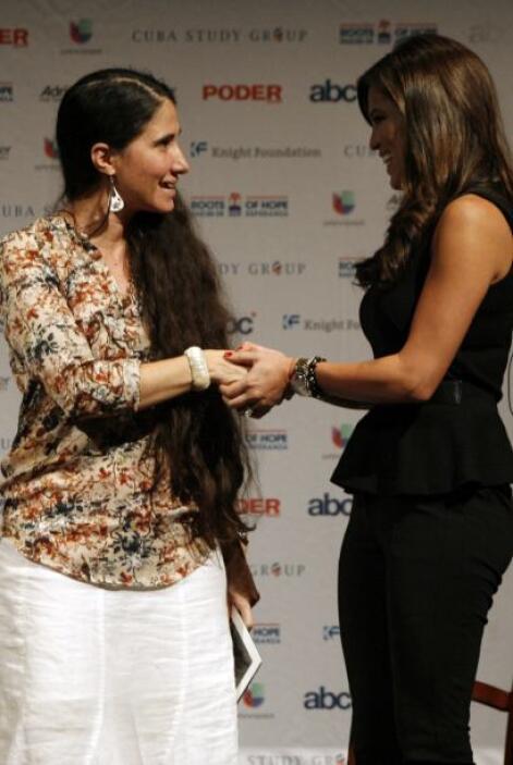 La bloguera cubana Yoani Sánchez contestó preguntas, por medio de Twitte...