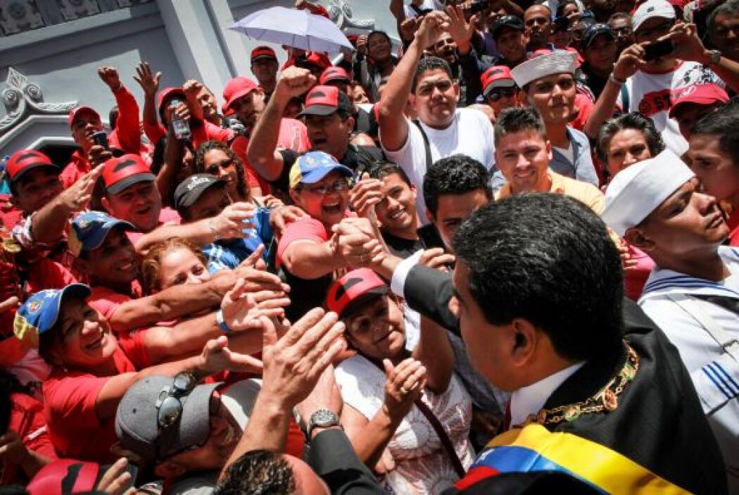Abundaron las prendas rojas con estampados de Chávez, Fidel Castro o el...
