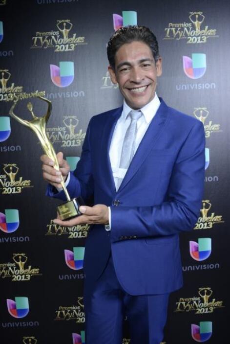 Johnny Lozada ganó el premio al Mejor Conductor de la TV.