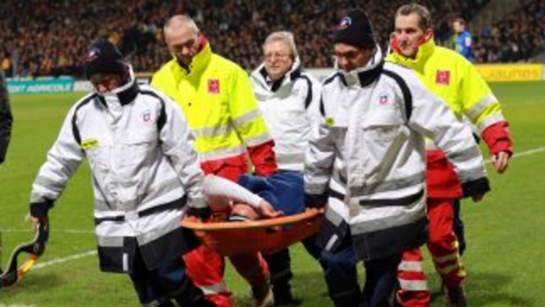 La grave lesión del delantero colombiano Radamel Falcao podría dejar pér...
