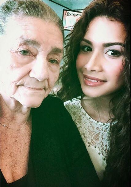También Marisela nos demuestra el por qué de su belleza. Junto a su amad...