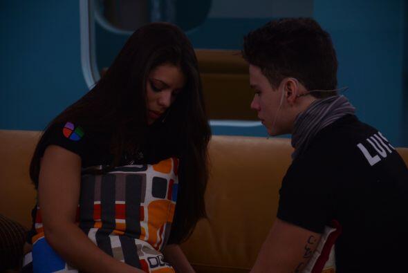Luis en cambio dice que no se acercaba porque no la quería empalagar.