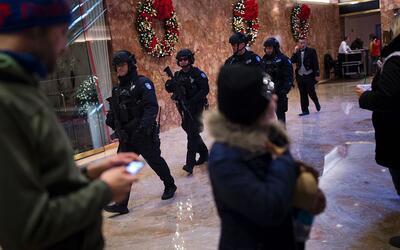 Oficiales del Departamento de la Policía de la ciudad de Nueva Yo...