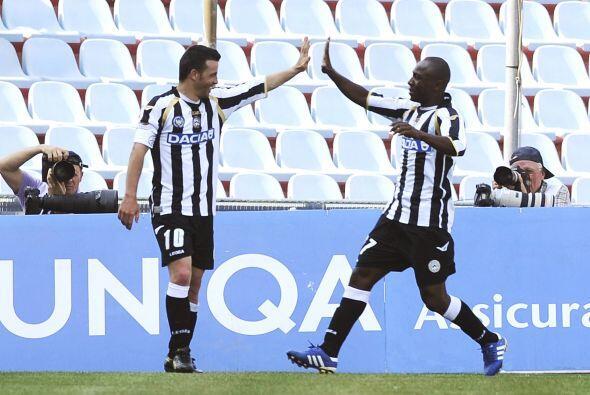 El 1-0 se dio al minuto 35 y la alegría de Di Natale era evidente.