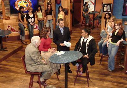 Paco Palencia y el Gurú en el Bar con Rosana y Félix.