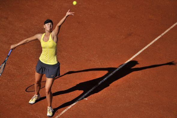 Pero Sharapova no se quedó atrás y deslumbró con su...