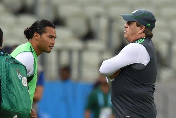 Miguel Herrera conversó con Carlos Peña, quien en caso de emergencia, po...