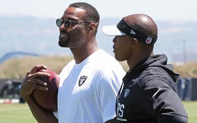 'Megatron' visitó la práctica de los Oakland Raiders
