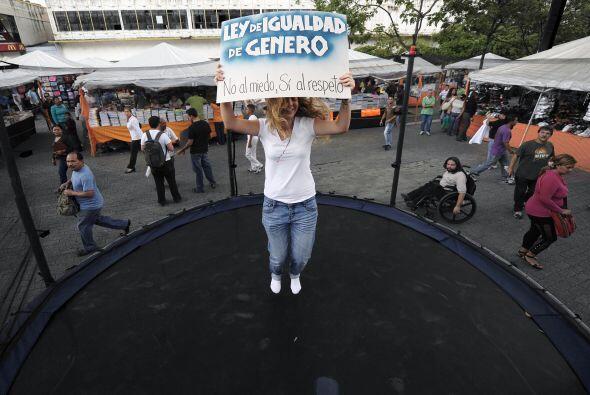 La nueva ley electoral de ese país, votada sólo por los chavistas, garan...