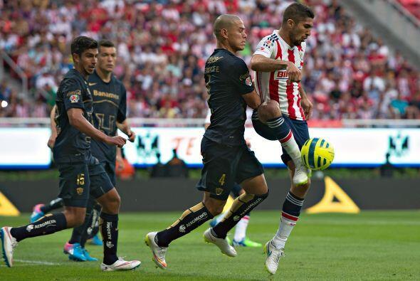 Y revisando en el partido hubo dos jugadas de Darío Verón que merecían a...