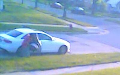 Ladrones roban auto con bebé adentro
